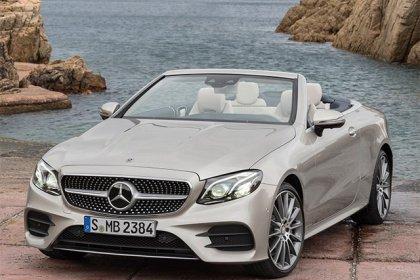 Mercedes-Benz E kupé 300 d AT Základní výbava